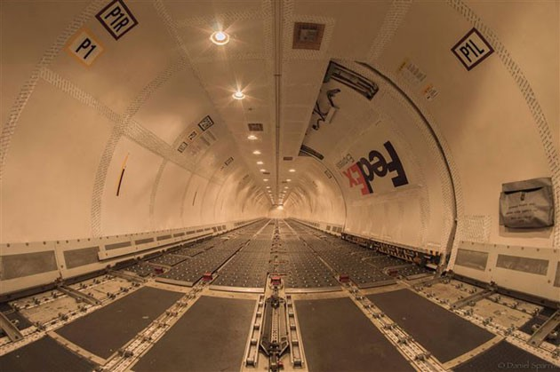 The-inside-of-a-FedEx-Boeing-757-without-any-cargo