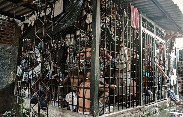 Overcrowded-Prison-In-El-Salvador